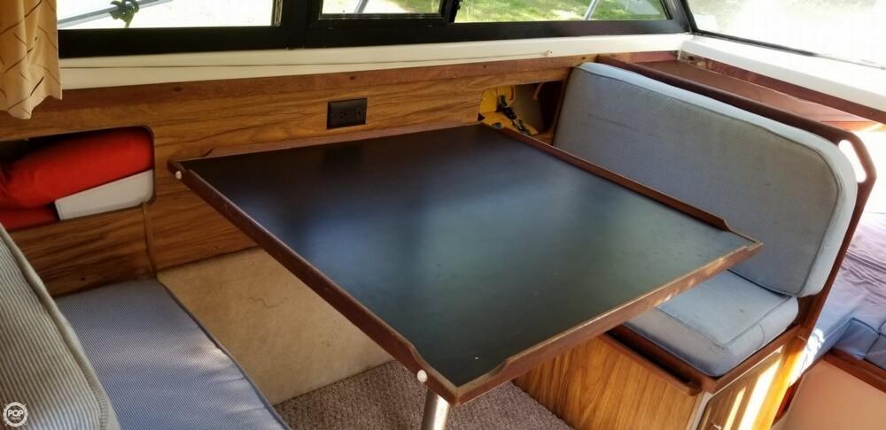 1983 Carver boat for sale, model of the boat is 26 Santa Cruz & Image # 13 of 40