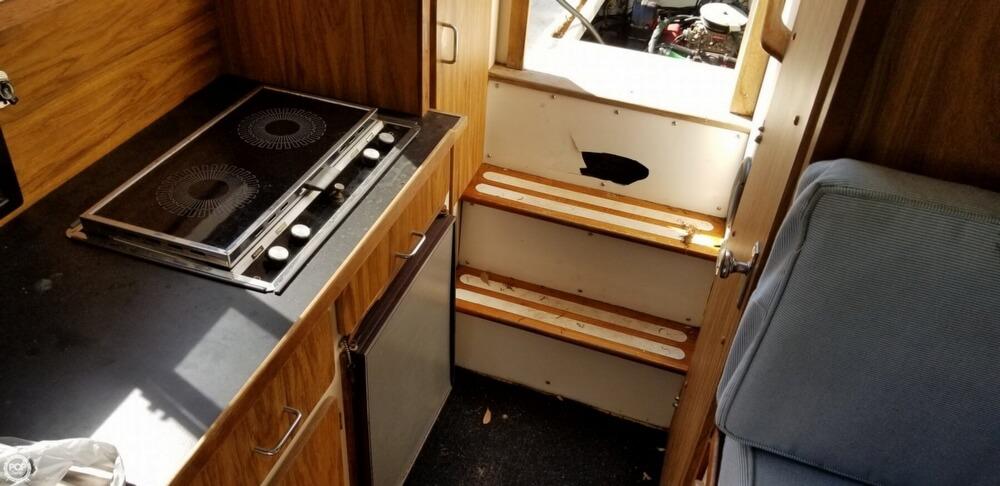 1983 Carver boat for sale, model of the boat is 26 Santa Cruz & Image # 17 of 40