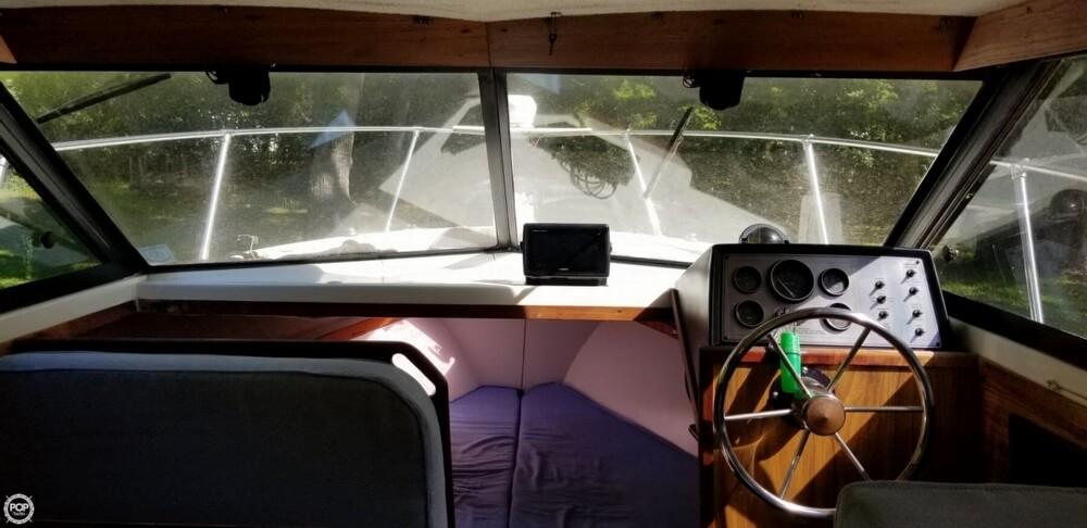 1983 Carver boat for sale, model of the boat is 26 Santa Cruz & Image # 39 of 40