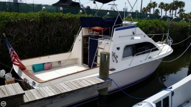 Pacemaker 31 Convertible, 30', for sale - $12,500