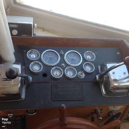 1971 Luhrs boat for sale, model of the boat is Super 320 Marboro Flybridge Sedan & Image # 4 of 40