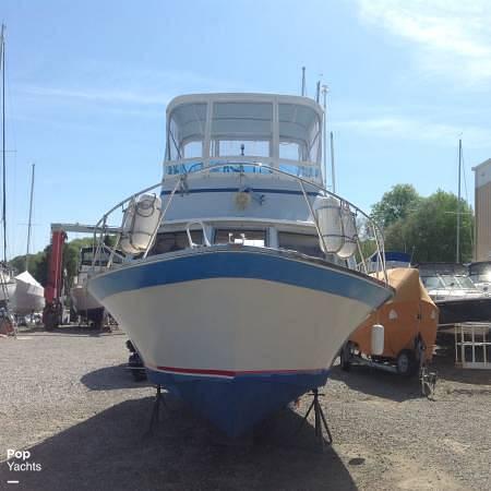 1971 Luhrs boat for sale, model of the boat is Super 320 Marboro Flybridge Sedan & Image # 11 of 40