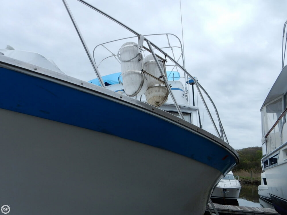 1971 Luhrs boat for sale, model of the boat is Super 320 Marboro Flybridge Sedan & Image # 18 of 40