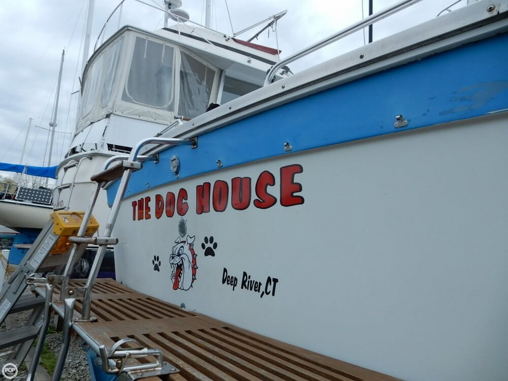 1971 Luhrs boat for sale, model of the boat is Super 320 Marboro Flybridge Sedan & Image # 23 of 40