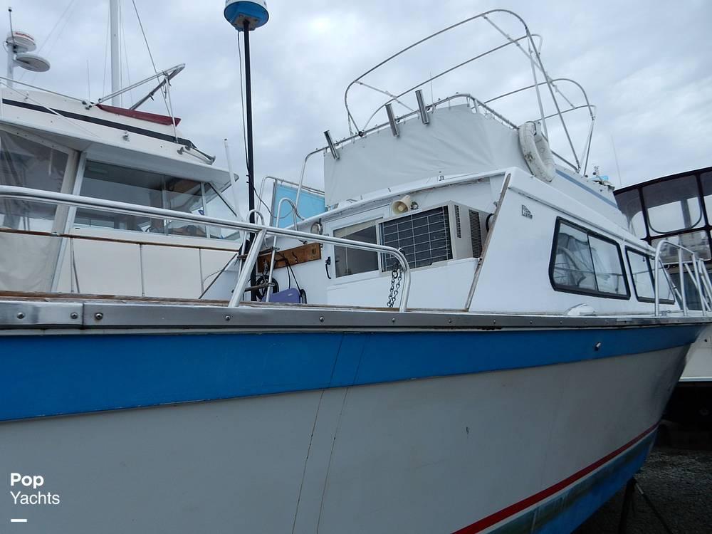 1971 Luhrs boat for sale, model of the boat is Super 320 Marboro Flybridge Sedan & Image # 24 of 40