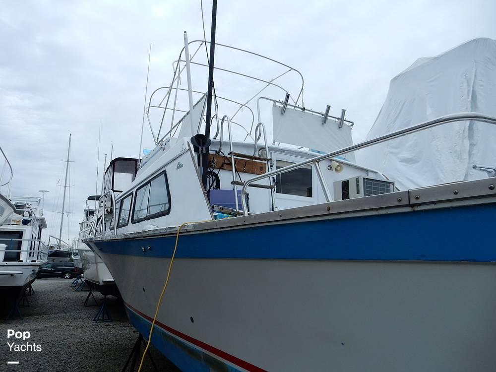 1971 Luhrs boat for sale, model of the boat is Super 320 Marboro Flybridge Sedan & Image # 28 of 40
