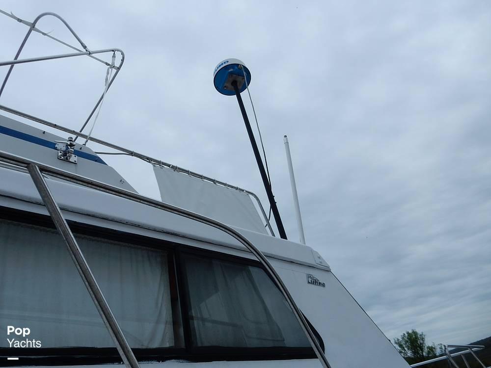 1971 Luhrs boat for sale, model of the boat is Super 320 Marboro Flybridge Sedan & Image # 38 of 40