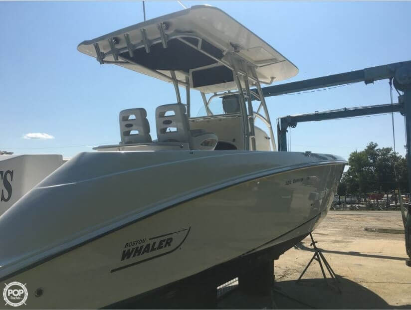 2005 Boston Whaler 32 - image 36