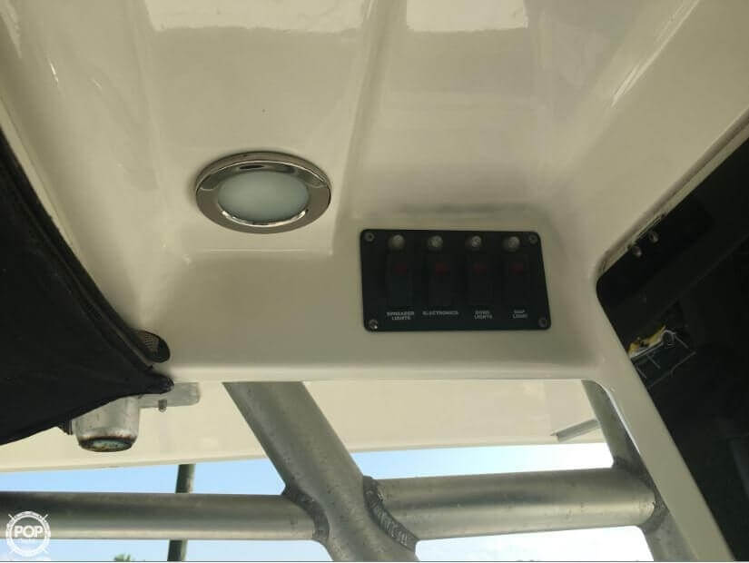 2005 Boston Whaler 32 - image 18