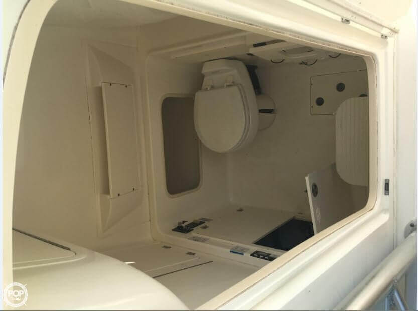 2005 Boston Whaler 32 - image 21