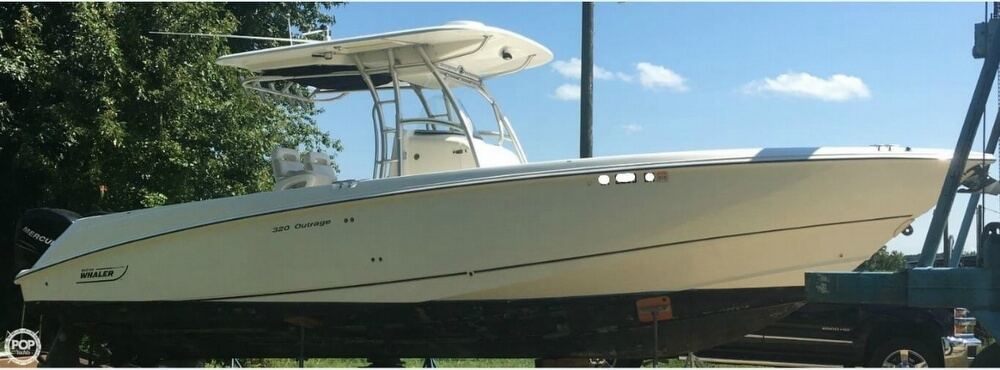 2005 Boston Whaler 32 - image 13