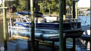 Sun Tracker Fishin' Barge 20 DLX, 21', for sale - $20,500