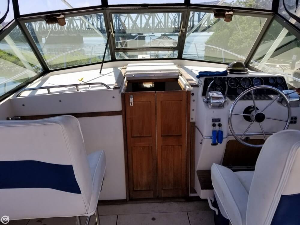 1987 Wellcraft boat for sale, model of the boat is 3200 Coastal & Image # 3 of 40