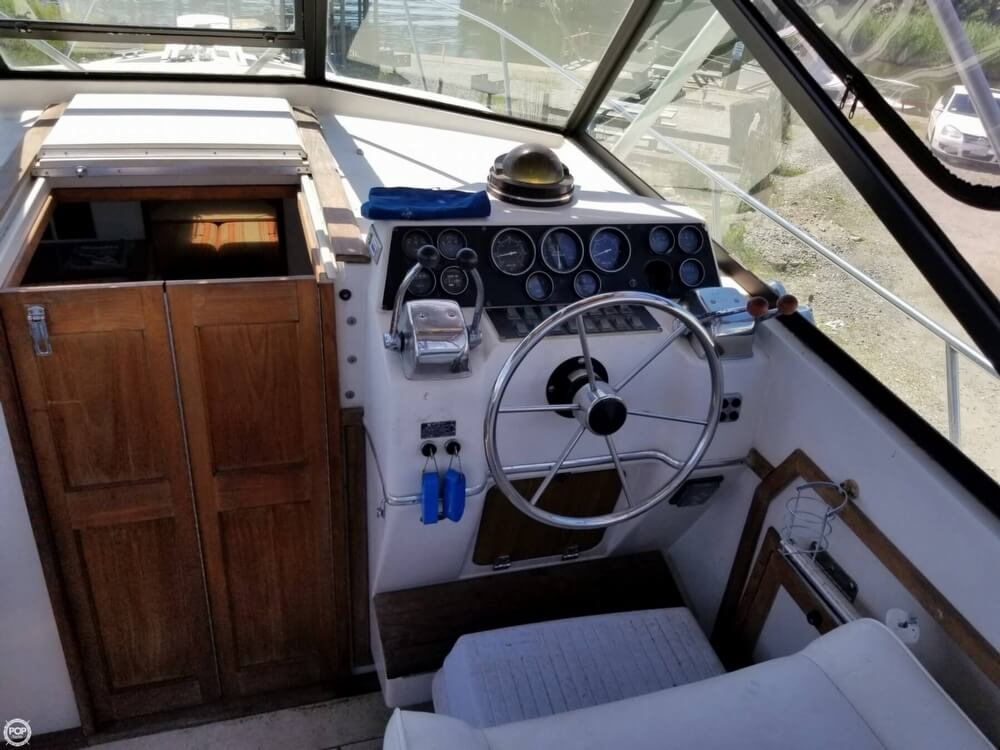 1987 Wellcraft boat for sale, model of the boat is 3200 Coastal & Image # 30 of 40