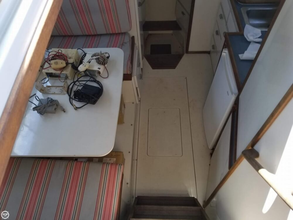 1987 Wellcraft boat for sale, model of the boat is 3200 Coastal & Image # 33 of 40