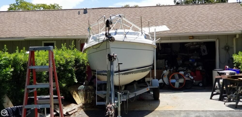 2002 Hunter boat for sale, model of the boat is 240 & Image # 9 of 40