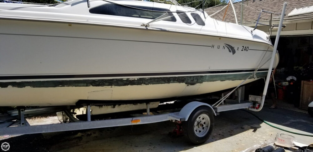 2002 Hunter boat for sale, model of the boat is 240 & Image # 16 of 40