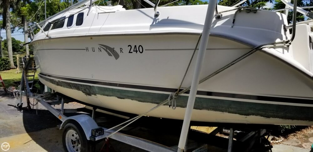 2002 Hunter boat for sale, model of the boat is 240 & Image # 27 of 40