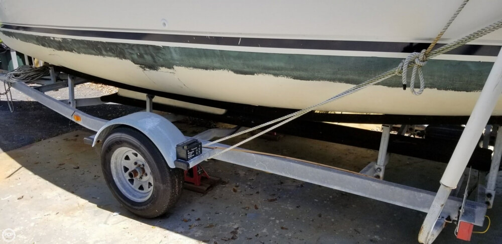 2002 Hunter boat for sale, model of the boat is 240 & Image # 29 of 40