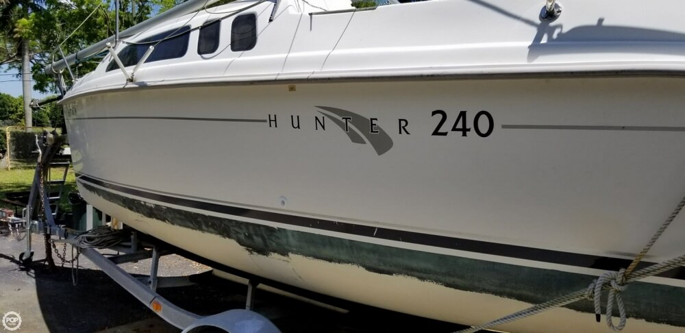 2002 Hunter boat for sale, model of the boat is 240 & Image # 30 of 40