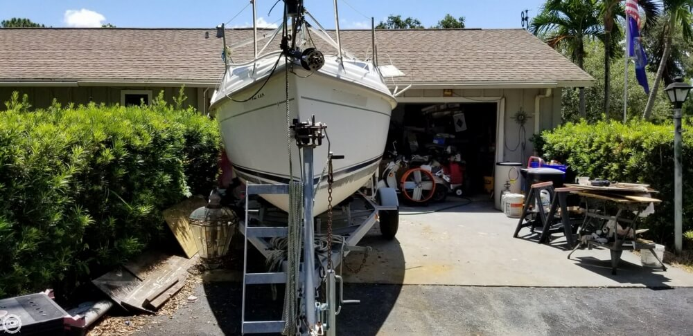 2002 Hunter boat for sale, model of the boat is 240 & Image # 21 of 40