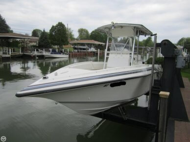 Fountain 25 Center Console, 25', for sale - $42,900