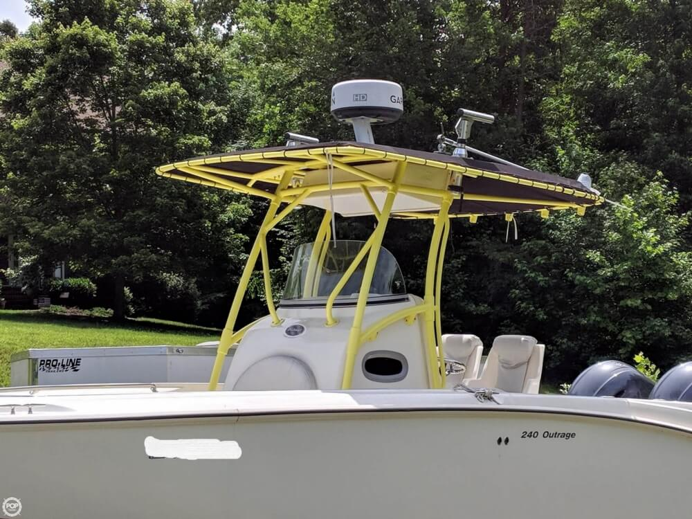 2004 Boston Whaler boat for sale, model of the boat is 240 Outrage & Image # 2 of 40