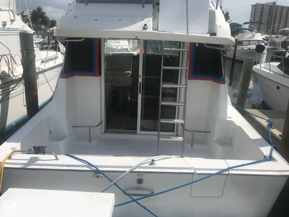 1995 Silverton boat for sale, model of the boat is Convertible 34 & Image # 5 of 40