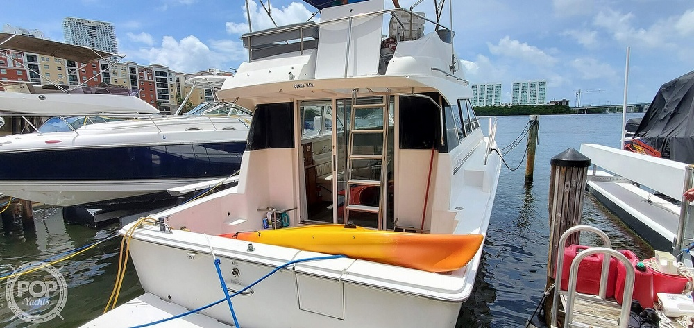 1995 Silverton boat for sale, model of the boat is Convertible 34 & Image # 19 of 40
