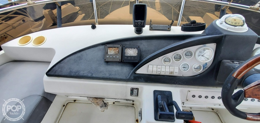 1995 Silverton boat for sale, model of the boat is Convertible 34 & Image # 33 of 40