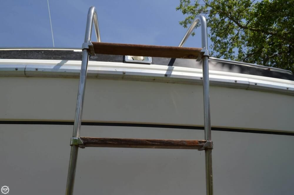 1982 Formula boat for sale, model of the boat is 26 SC Express & Image # 21 of 40