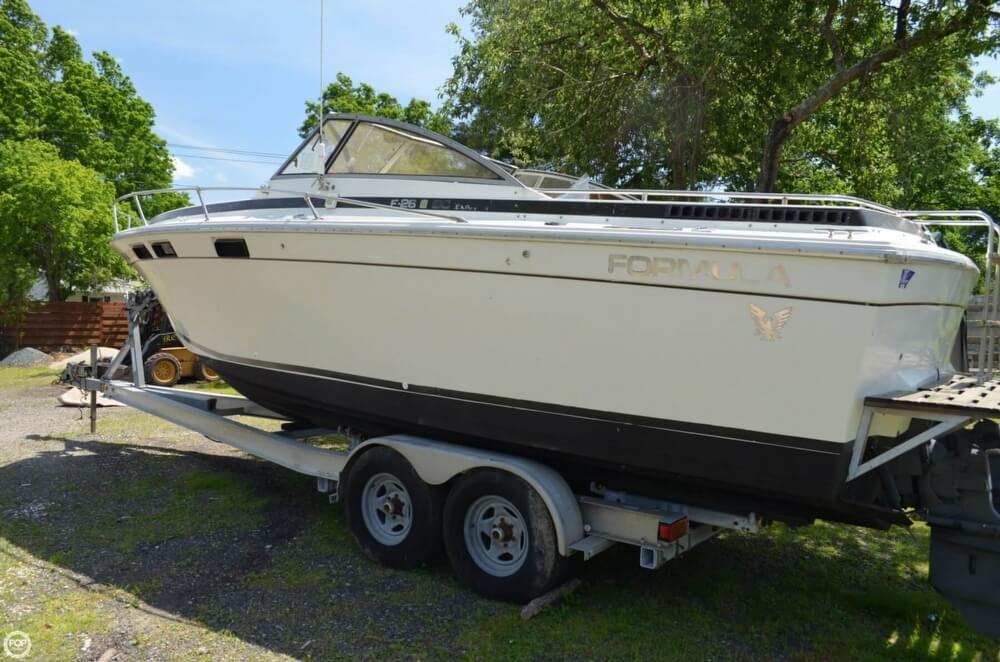 1982 Formula boat for sale, model of the boat is 26 SC Express & Image # 4 of 40