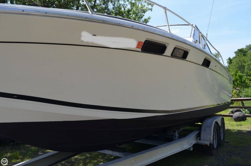1982 Formula boat for sale, model of the boat is 26 SC Express & Image # 24 of 40