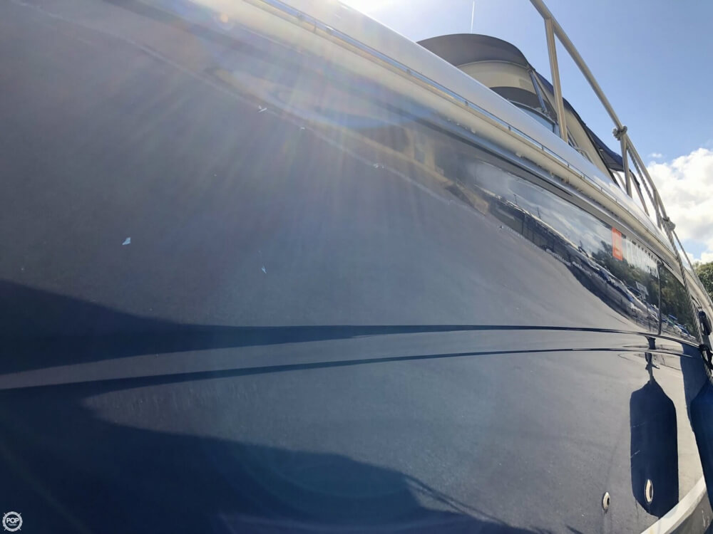 2005 Sea Ray boat for sale, model of the boat is 300 Sundancer & Image # 28 of 40