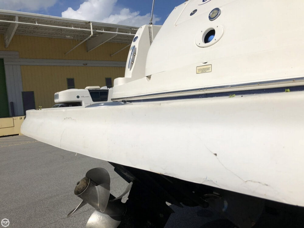 2005 Sea Ray boat for sale, model of the boat is 300 Sundancer & Image # 32 of 40