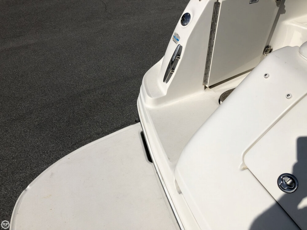 2005 Sea Ray boat for sale, model of the boat is 300 Sundancer & Image # 33 of 40