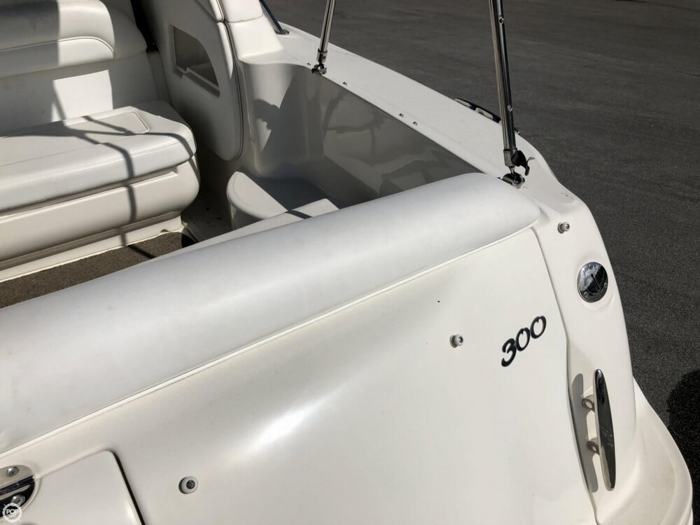 2005 Sea Ray boat for sale, model of the boat is 300 Sundancer & Image # 35 of 40