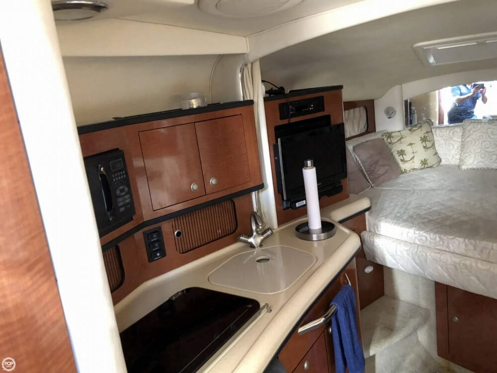 2005 Sea Ray boat for sale, model of the boat is 300 Sundancer & Image # 4 of 40