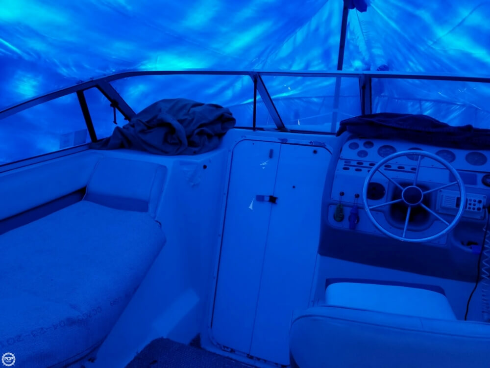 1995 Rinker boat for sale, model of the boat is 280 Fiesta Vee & Image # 11 of 28