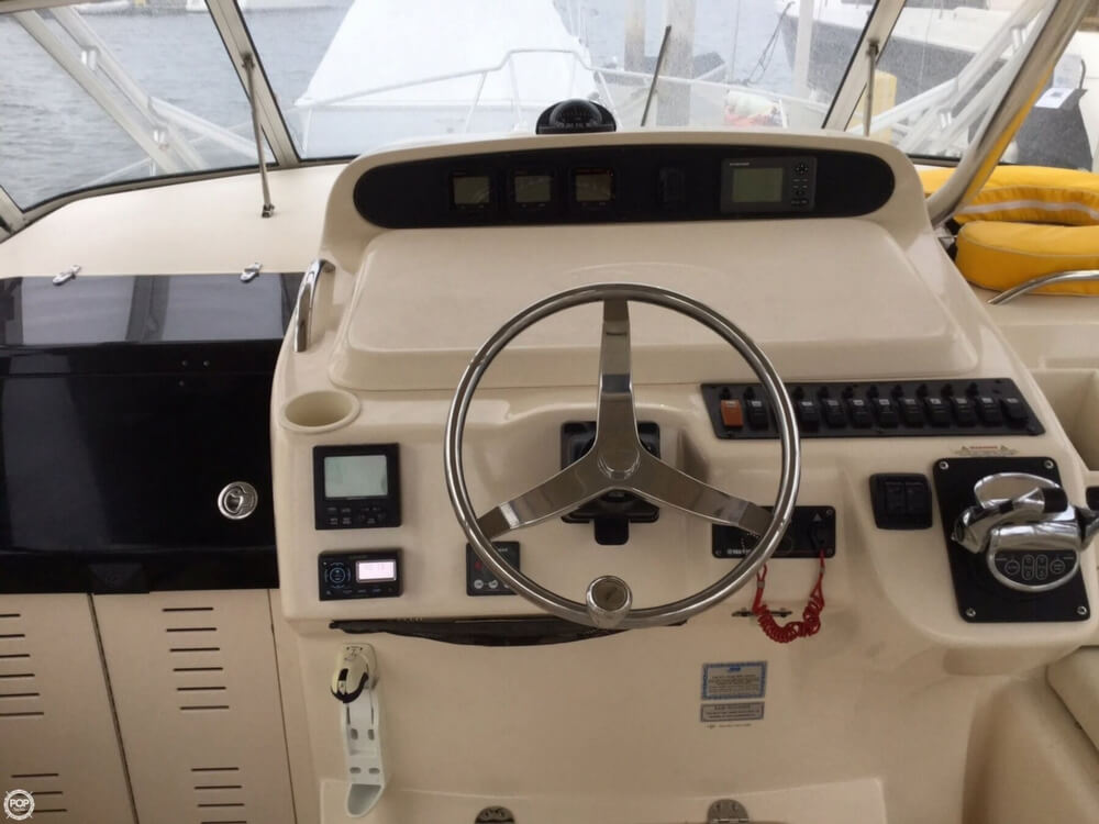2006 Grady-White boat for sale, model of the boat is 330 Express & Image # 10 of 40
