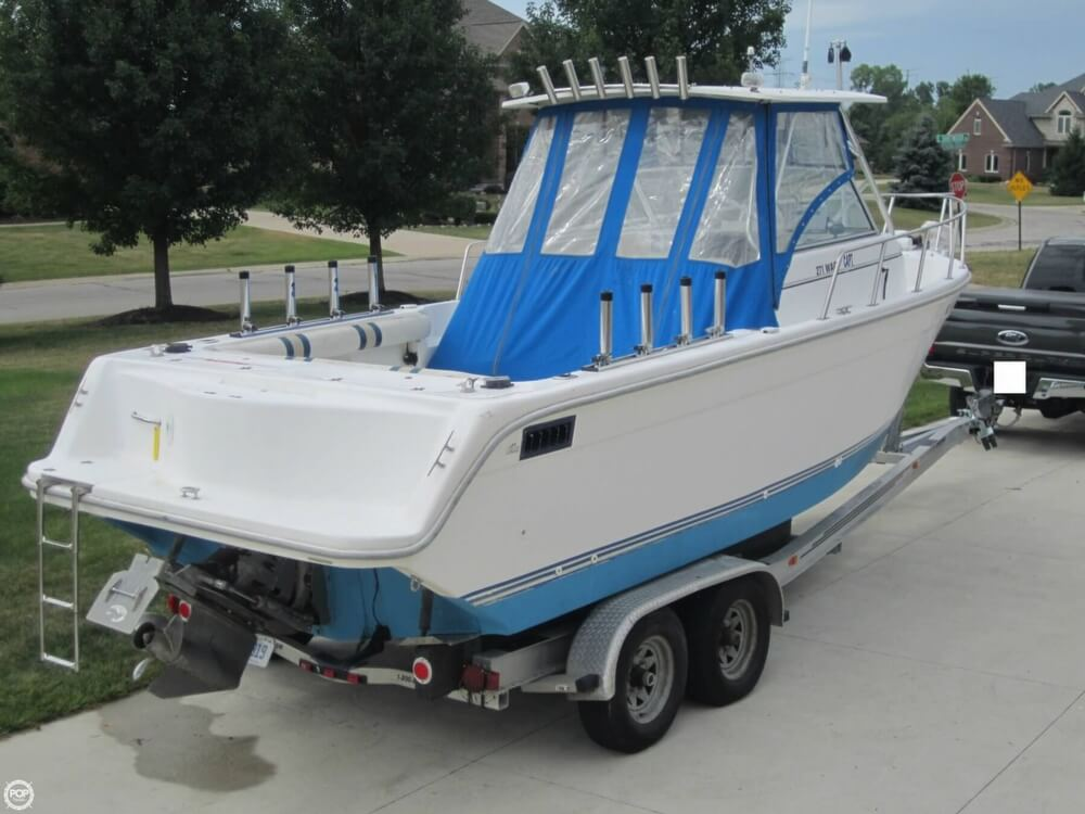 1999 Baha Cruisers boat for sale, model of the boat is 271 WAC & Image # 25 of 40