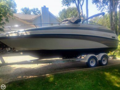 Crownline 230 CCR, 25', for sale