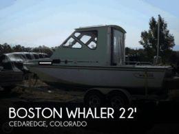 1985 Boston Whaler Revenge 22 Cuddy
