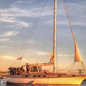 Yorktown 39, 39', for sale - $45,000