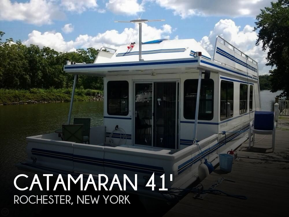 Used Houseboats For Sale in New York by owner | 2003 Catamaran Cruisers 41