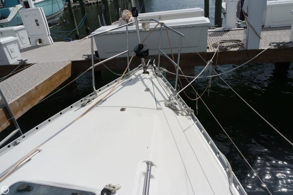 1991 Beneteau boat for sale, model of the boat is First 35 S 5 & Image # 19 of 40