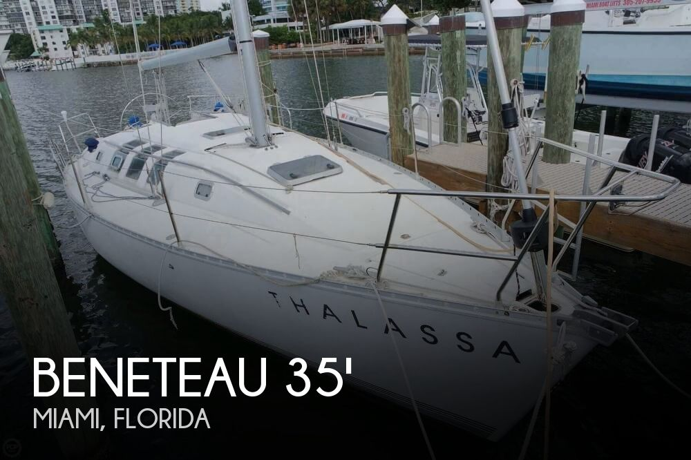 1991 Beneteau boat for sale, model of the boat is First 35 S 5 & Image # 1 of 40