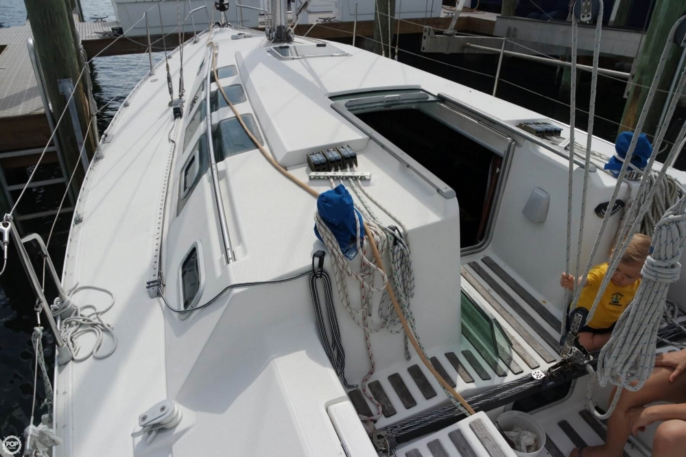 1991 Beneteau boat for sale, model of the boat is First 35 S 5 & Image # 21 of 40
