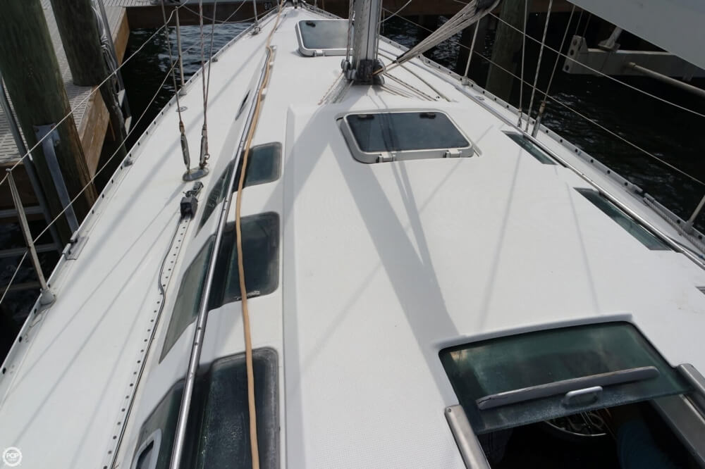 1991 Beneteau boat for sale, model of the boat is First 35 S 5 & Image # 28 of 40
