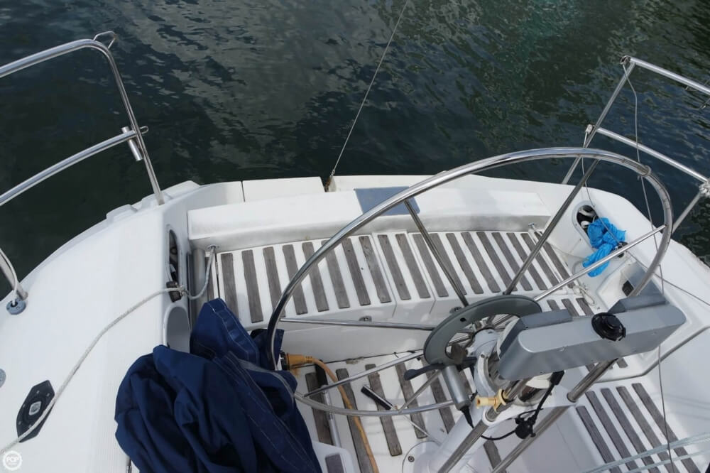 1991 Beneteau boat for sale, model of the boat is First 35 S 5 & Image # 33 of 40
